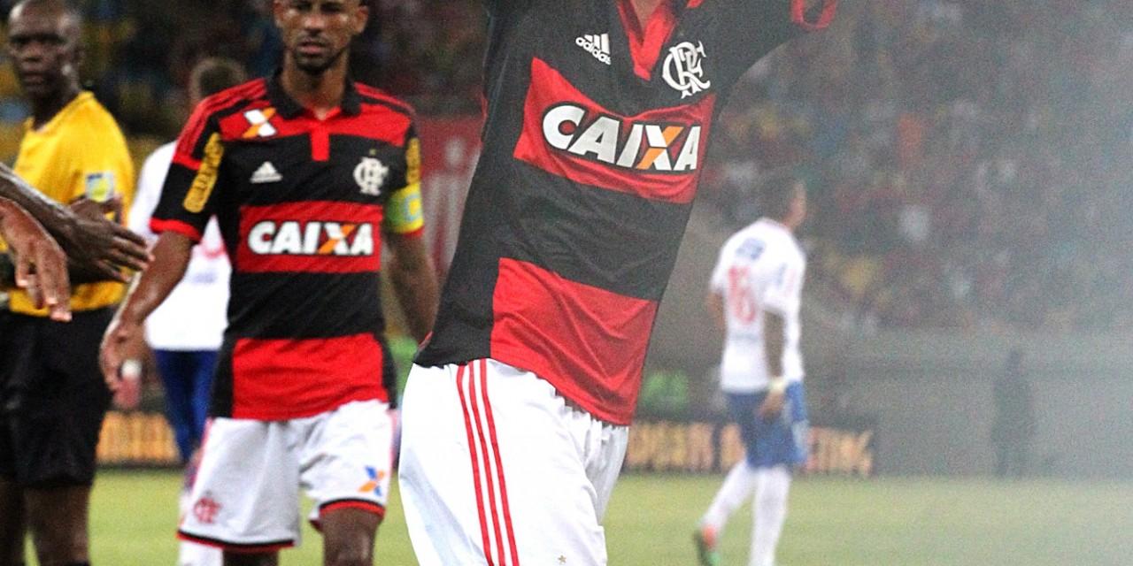 Flamengo inscreve quatro