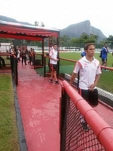 Douglas Baggio depois de meter mais dois contra o Volta Redonda. Fla é líder!