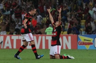 Com protesto e boa vitória, Flamengo conquista SuperClássicos e retoma Taça Adidas