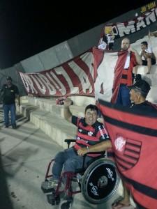 Totonho e sua cadeira de rodas viajaram de Cariús para Salgueiro: A força de uma paixão. (Foto: Arquivo Pessoal)