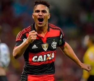 Agora ele é Mengão! Boa sorte ao peruano! (Foto: Arte @_hesleymenezes)