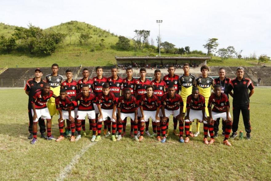 A promissora geração 2000 campeã da Copa do Brasil. (Foto: Flamengo Oficial)