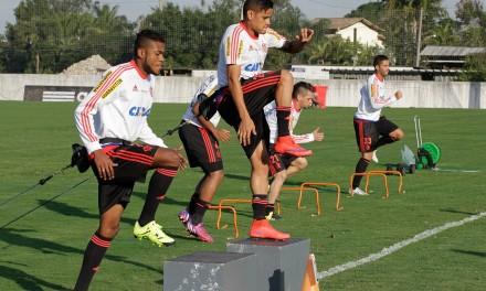 Flamengo faz coletivo no Ninho
