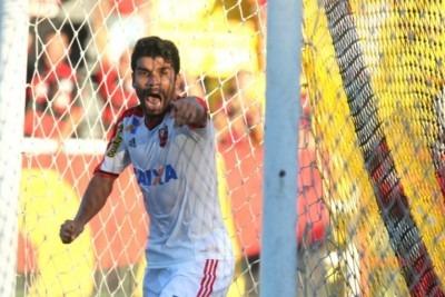 Eduardo, decisivo! (Foto: Site Oficial)