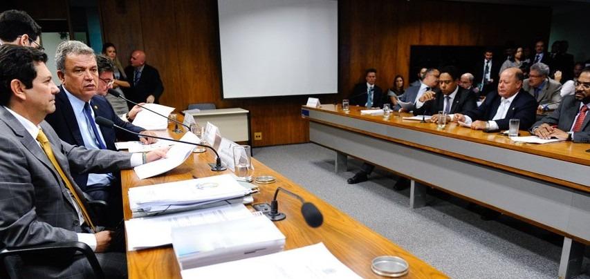 Comissão pode votar relatório da MP do Futebol nesta quarta
