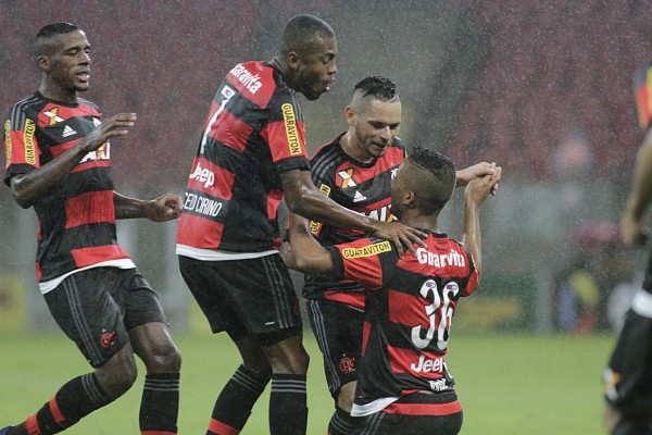 Atuações: César fecha o gol, e Jorge marca seu 1° gol pelo profissional; notas de Náutico 0 x 2 Flamengo