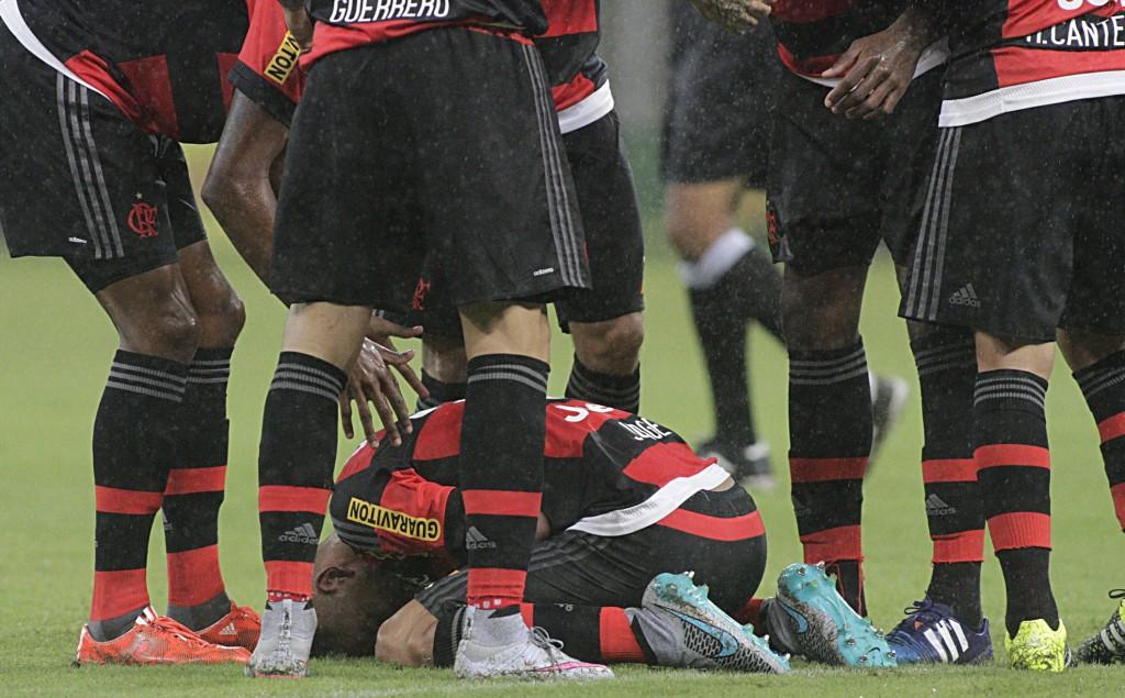 Jorge, visivelmente emocionado após seu primeiro gol como profissional no Flamengo. (Foto: Flamengo Oficial)