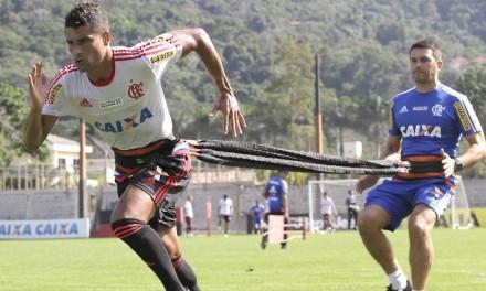 Sem vencer o Goiás desde 2007, Flamengo quer arrancar no BR2015