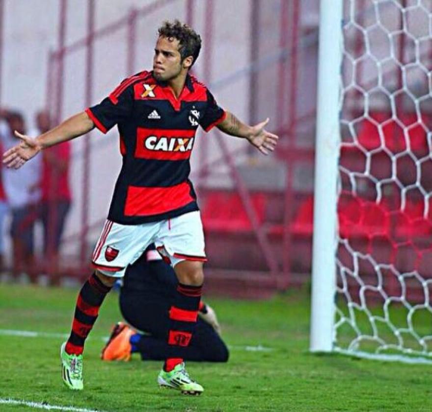 Douglas Baggio marca mais uma vez. Artilheiro vive ótima fase e torcida começa a pedir o jogador nos profissionais | Foto Flamengo