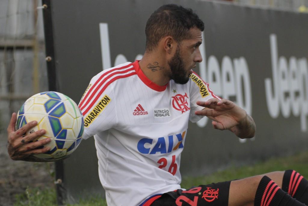 Depois de não viajar para Goiás, Paulinho treinou no Ninho na terça. | Foto Gilvan de Souza/Flamengo