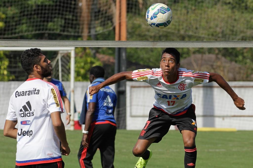 Cristóvão trabalhou atividade baseada em futvolei para melhoria dos passes | Foto Gilvan de Souza/Flamengo