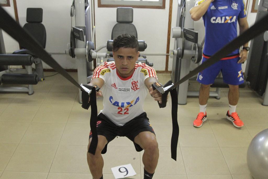 Titular no último domingo, Everton realizou trabalho na academia. (Foto: Flamengo Oficial/Gilvan de Souza)