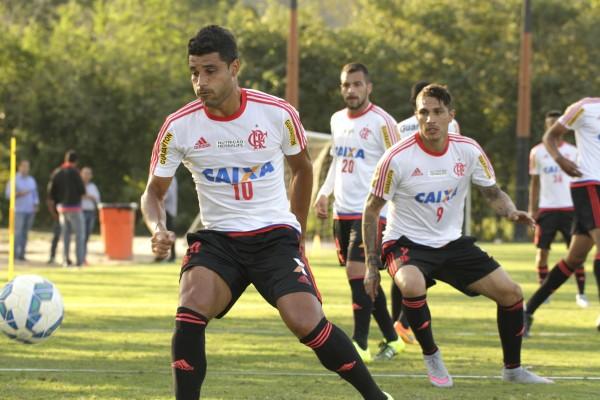 Pronto para estrear, Ederson precisou de mais tempo para estar em melhores condições físicas. (Foto: Flamengo Oficial / Gilvan de Souza