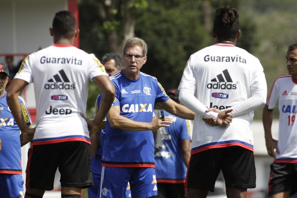 Oliveira chega com a torcida mais esperançosa do que propriamente otimista. | Foto Gilvan de Souza/Flamengo.