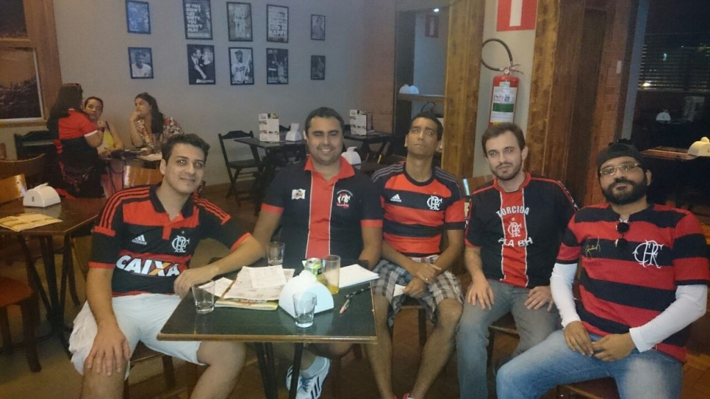 Roger e Henrique – nos receberam no Red Sport Bar