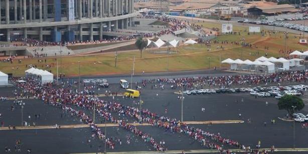 Brasília esquece o caos político e recebe o Flamengo como uma celebração de fé