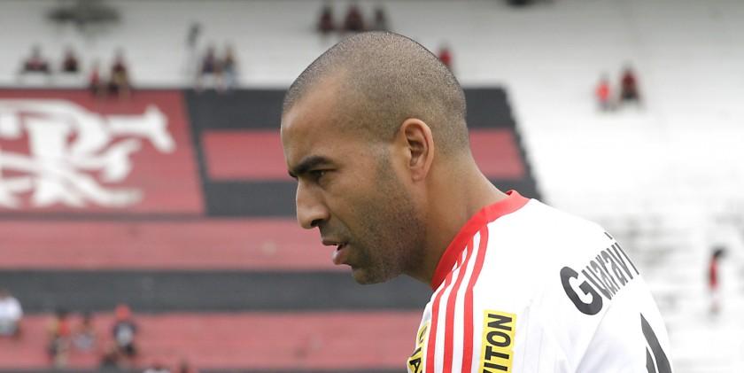 Emerson treina normalmente e volta ao time contra o Vasco. Foto: Gilvan de Souza/Flamengo