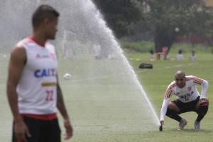 Camisa 22 volta ao time no Lugar de Sheik, suspenso. Foto: Gilvan de Souza/Flamengo
