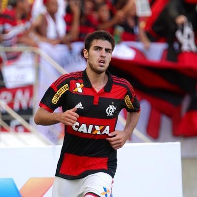 Thiago Ennes. O jovem lateral pode ser aproveitado no time alternativo que disputará o Carioca 2016? (Reprodução Twitter)