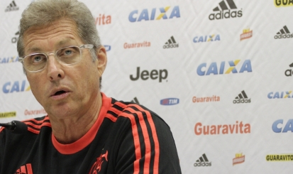 Oswaldo de Oliveira tenta explicar mais uma derrota do Flamengo
