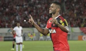 Kayke comemorando o seu primeiro gol como profissional no Flamengo. Foto: Site Oficial