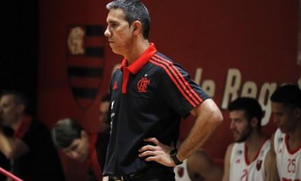 """""""Faltou praticamente tudo"""", diz José Neto após derrota para o Pinheiros"""