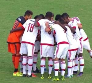 Jogadores na última corrente antes da partida contra o União Mogi. Foto: