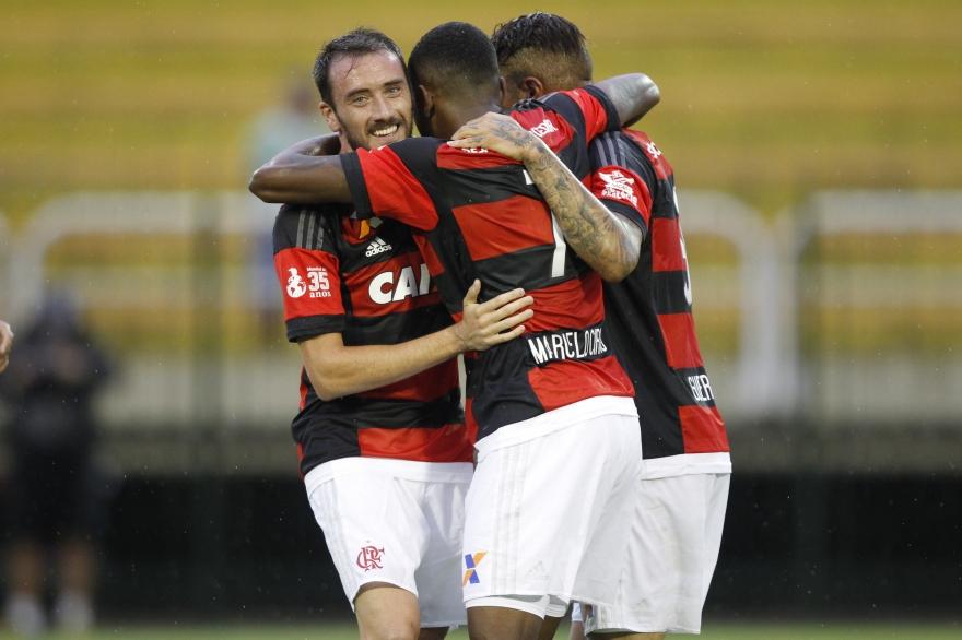 Com duas largadas perfeitas, Flamengo destruiu o Resende