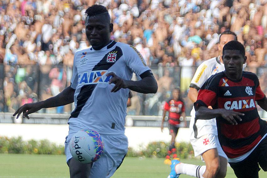 Márcio Araújo sempre atrasado. (Fonte: Vasco)