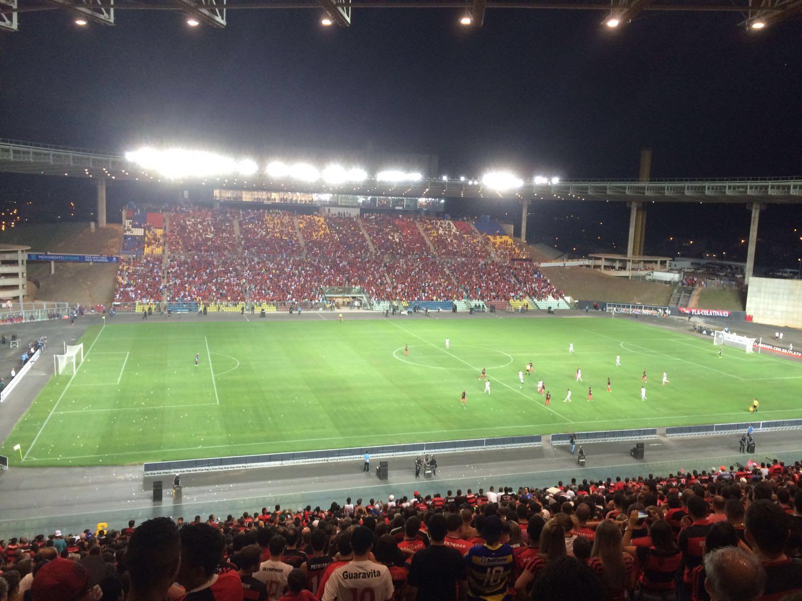 Torcida do Flamengo compareceu ao Kleber de Andrade mas não curtiu a atuação