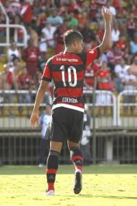 Camisa 10 estreou em 2016 e fez bonito. Foto: Gilvan de Souza   Flamengo