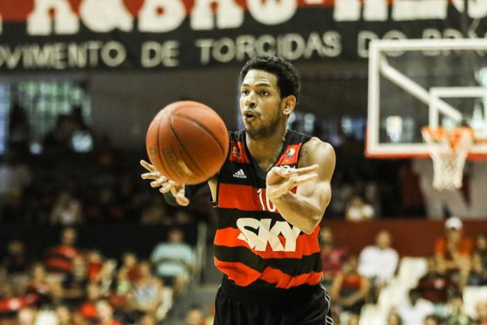 Ronald Ramon teve uma grande atuação no quarto final (Foto: Gilvan de Souza/Flamengo)