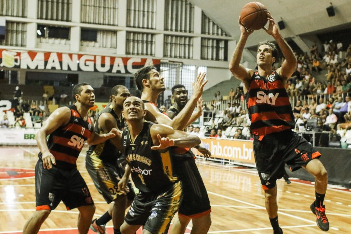 Já classificado para as quartas, Flamengo enfrenta Mogi fora de casa