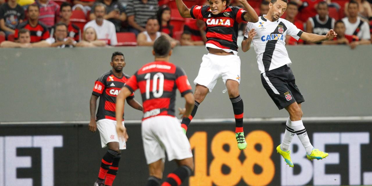No Mané Garrincha, Flamengo e Vasco empatam em jogo disputado