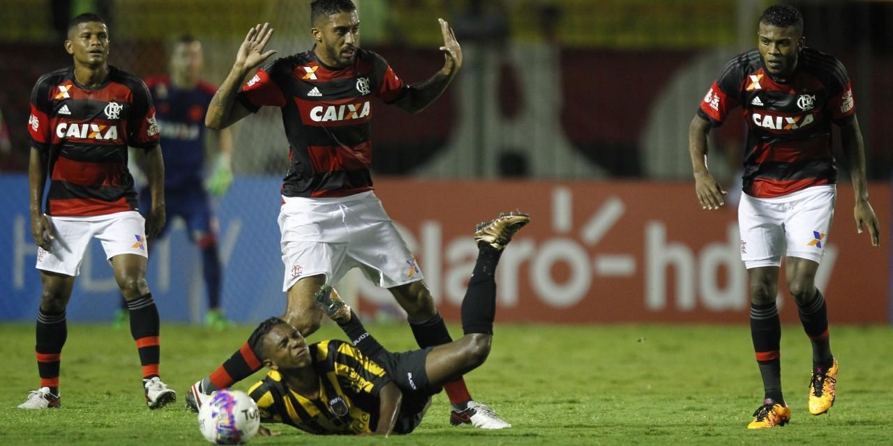 Flamengo volta a jogar mal e perde para o Volta Redonda