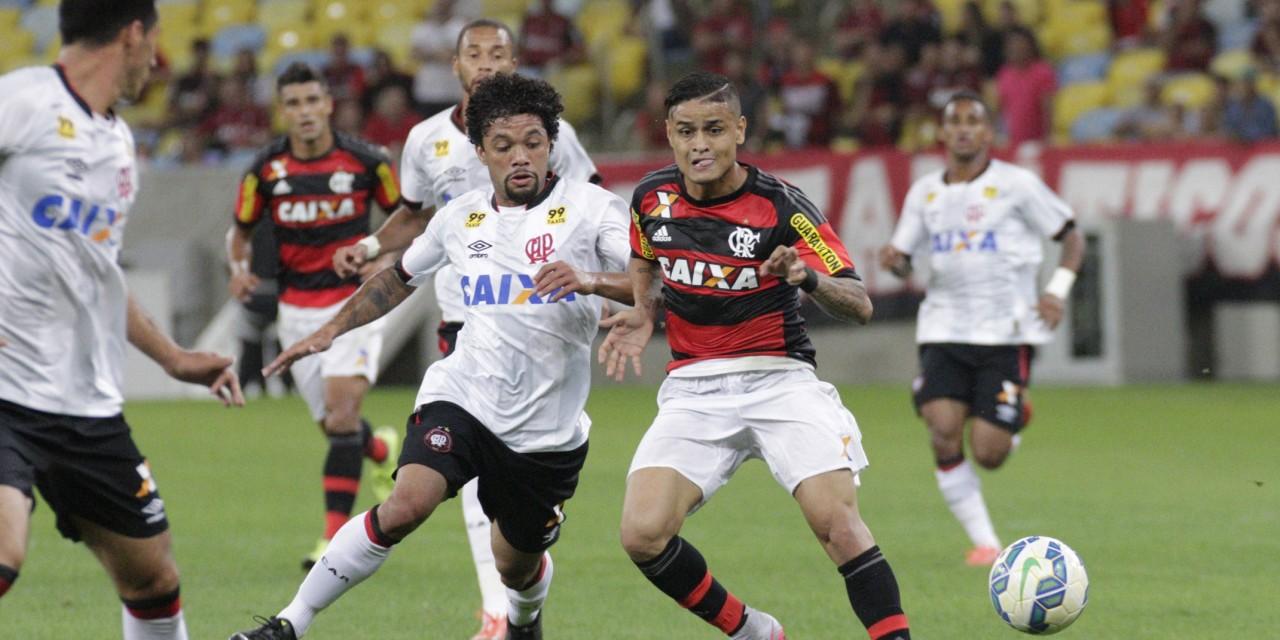 Flamengo e Atlético-PR duelam por uma vaga na final da Primeira Liga