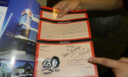 """Saiba como ganhar a revista """"60 Vezes Zico"""" autografada pelo próprio Zico!"""