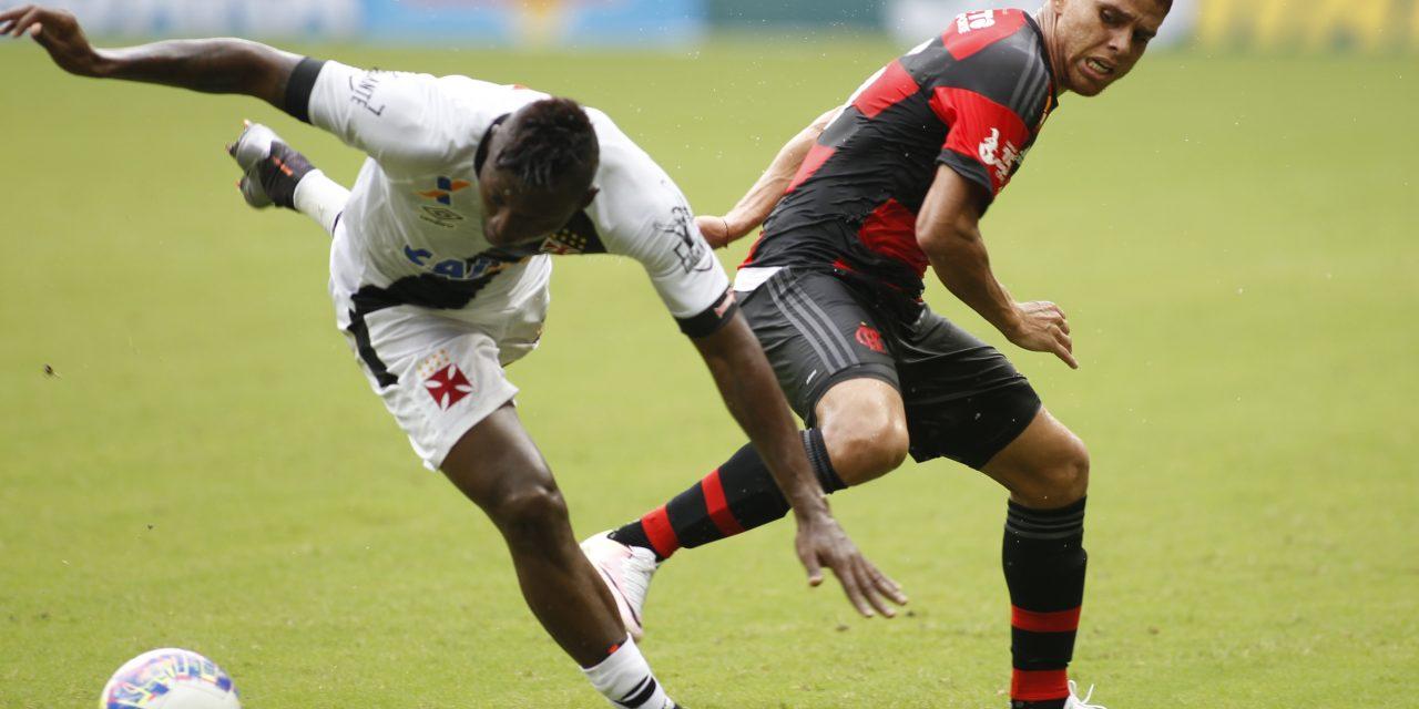 Flamengo não joga bem e é eliminado no Carioca