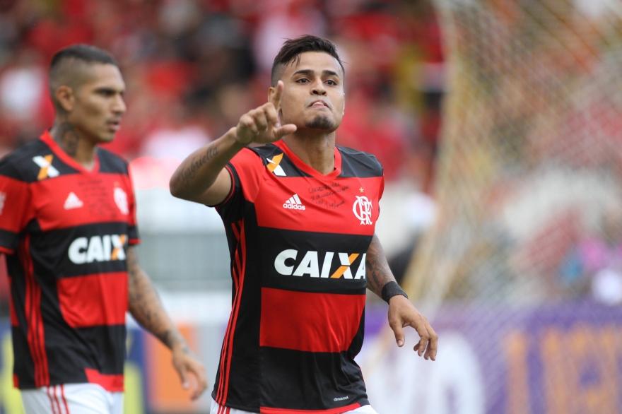 Atuações: Léo Duarte estreia e Éverton volta fazendo gol com assistência de Arão