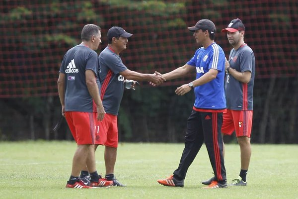 Muricy Ramalho não é mais técnico do Flamengo; Zé Ricardo assume interinamente o time