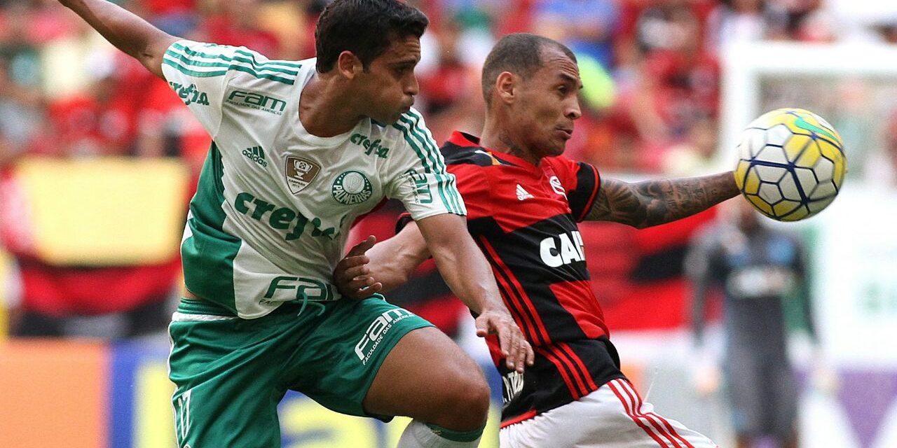 Com um a menos, Flamengo perde para o Palmeiras e sai do G4