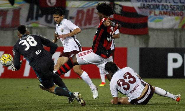 Atuações: Guerrero marca primeiro do Brasileiro; falhas de Arão e Vaz levam Flamengo à derrota