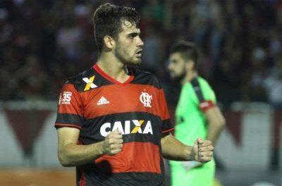 Atuações: Arão comanda a defesa, dá assistência e Vizeu sacramenta a vitória do Flamengo