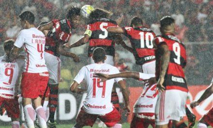 """Arão comenta vitória e fala do próximo desafio: """"Vamos a SP fazer um grande jogo"""""""