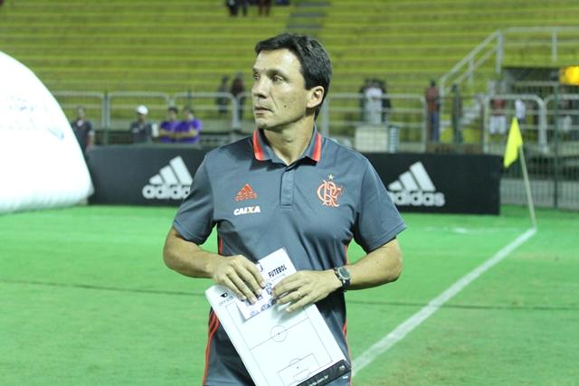 """Zé Ricardo lamenta falta de """"competência"""", mas acredita que time brigará na parte de cima"""