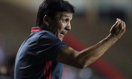 Zé Ricardo faz testes para continuar no 4-4-2 e afirma que Guerrero terá história bonita no Fla