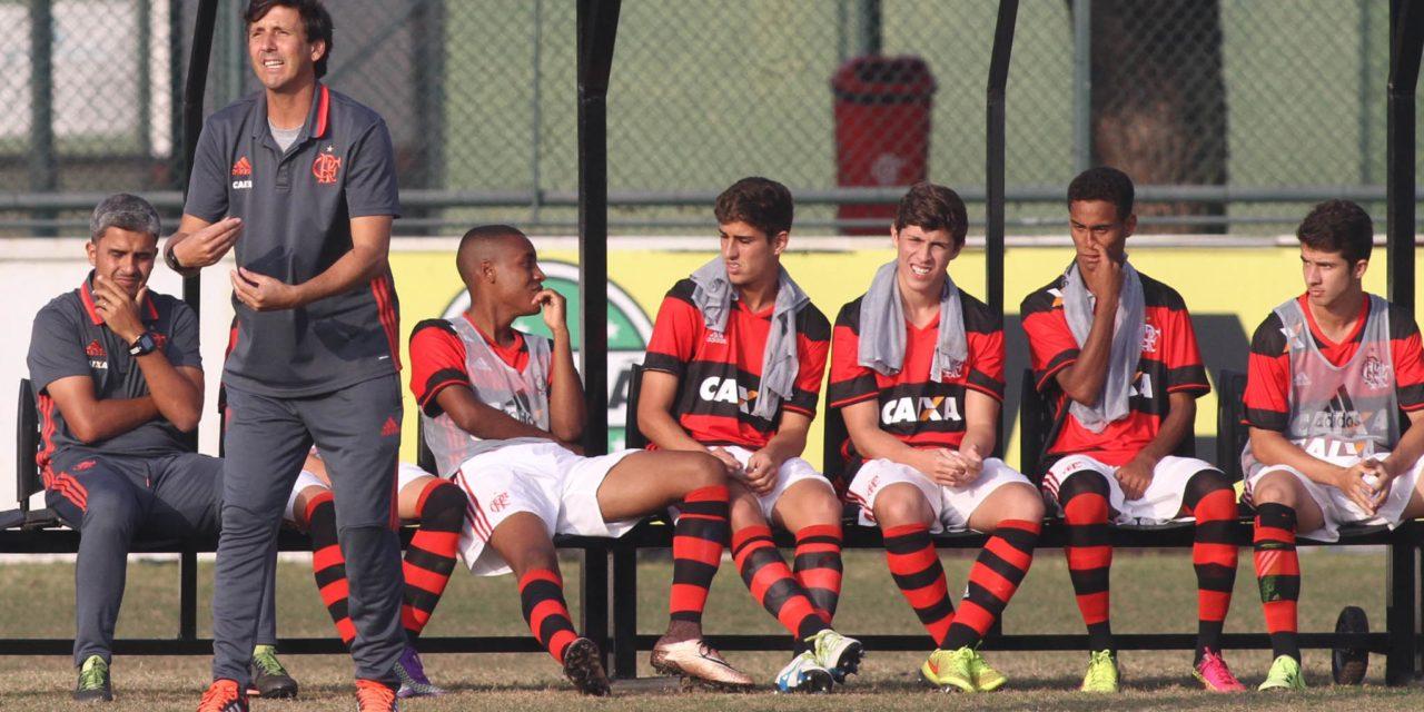 """Marcinho comemora o primeiro título à frente do Sub-17: """"tem um sabor diferente"""""""