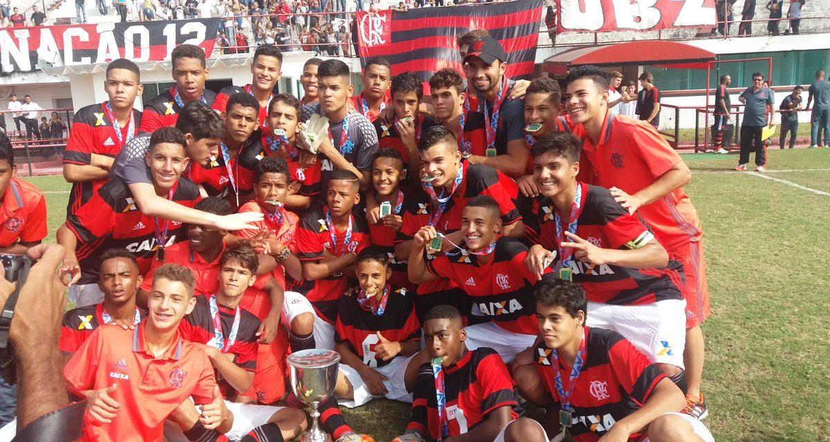 Fla marca no último minuto, derrota o Flu e conquista a Taça Guanabara Sub-15