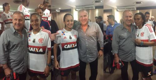 Zico com a atacante Larissa, a meia Diany e a zagueira Tânia Maranhão