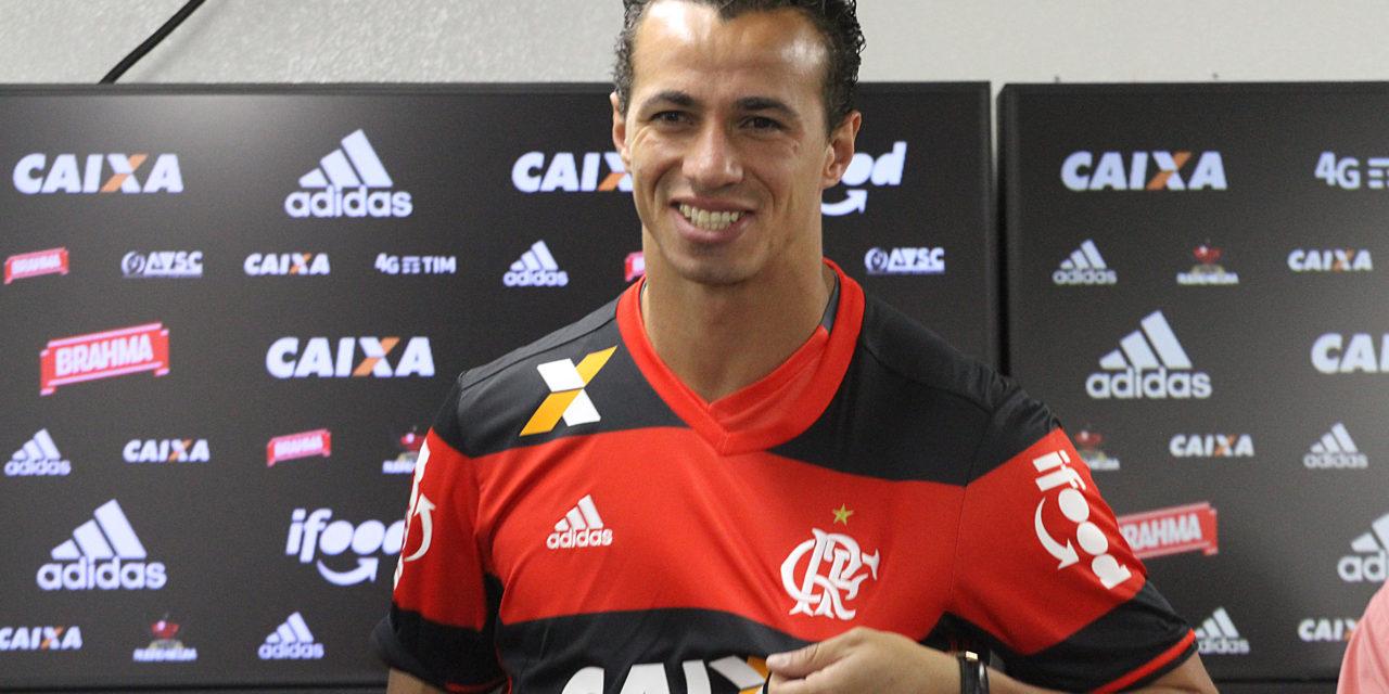 """""""Estou no lugar mais perto para buscar títulos"""", diz Leandro Damião"""